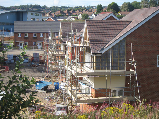 Weaker housing activity weighs on UK construction growth