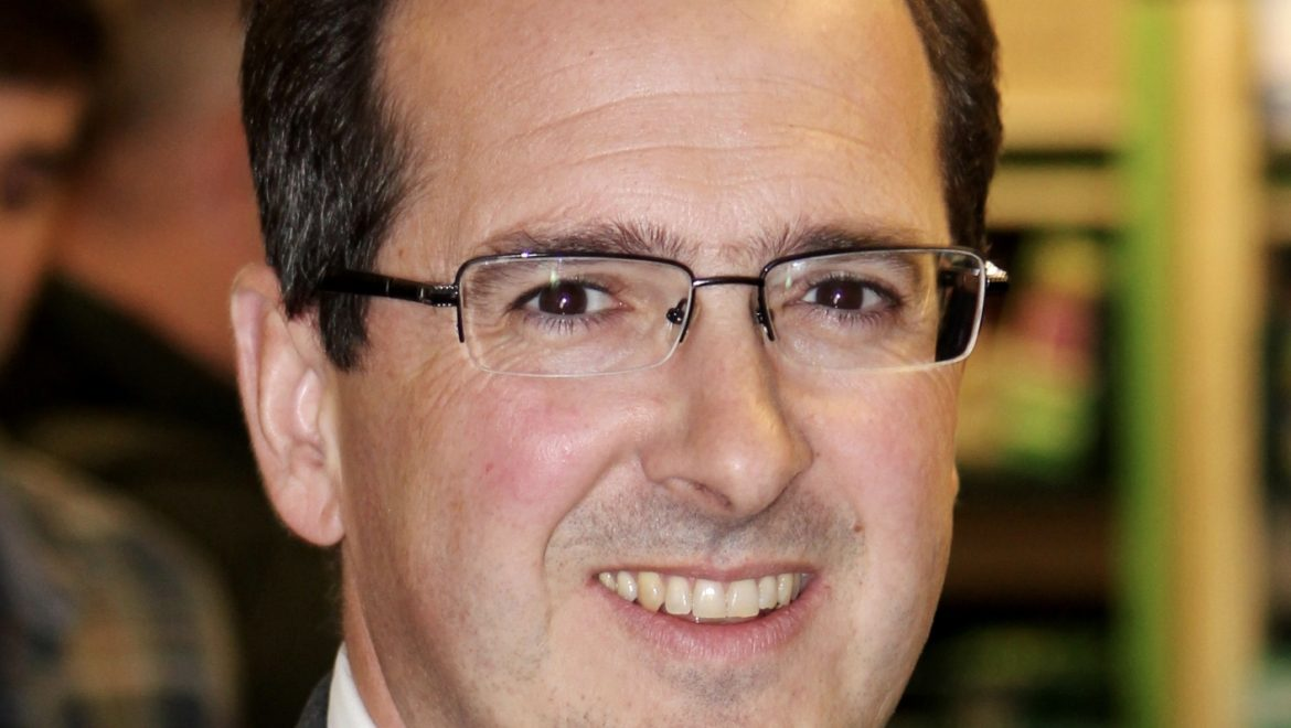Owen Smith: Only I can solve the housing crisis