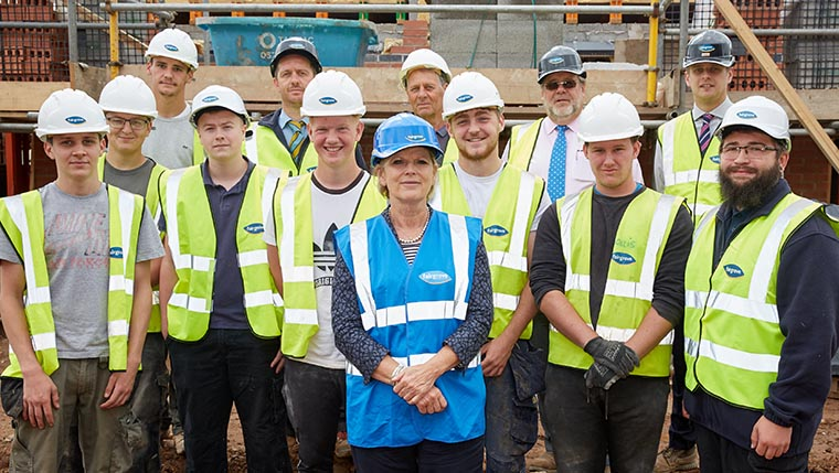 MP meets trade apprentices at Midlands housebuilder